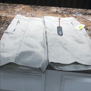 intro. Shorts - Intro by Jonathan Ross size 10P sand color NWT